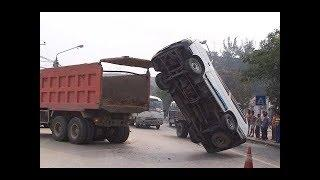 Ultimate IDIOT FUNNY DRIVERS, CRAZY FUNNY FAILS And Sounds July 2017