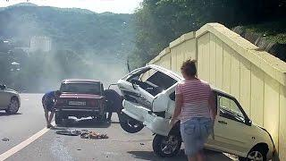 Extreme Idiotic Drivers Fails, Unbelievable Retarded Driving Fails 2017