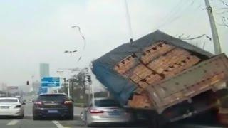IDIOT FUNNY DRIVERS, CRAZY FUNNY DRIVING FAILS - AMAZING DRIVING FAILS part - 2