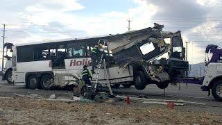 IDIOT BUS Driving Fails Stupid Driver Crashes Compilation 2017