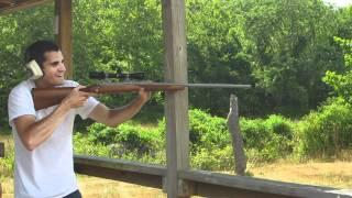 HILARIOUS GUN FAIL!! IDIOT CAN'T SHOOT A GUN!!